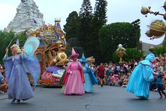 Disneyland July 2006 - Parade of Dreams - Look at all the fairies!