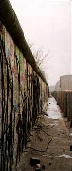 sexy_berlin_wall