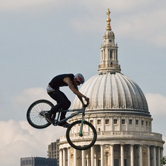 St Pauls incoming... (pastamaster39) Tags: england urban mountain london bicycle sport danger flying crazy cool air extreme tatemodern cycle biking pro trick hip stpaulscathedral thebest stunt bankside unbelieveable qashqaiurbanchallenge qashqaichallenge darrenpokoj nissanqashaichallenge