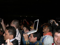 Extreme streaming pa' los que no estamos en cparty (nataliavivas) Tags: colombia head campusparty cparty macbook campuspartycolombia cparty09
