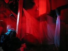 hamacas (juannes) Tags: light red luz night noche hammocks roja hamacas