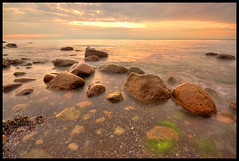 a couple of stones (Stephmaster) Tags: sunset sky cliff sunlight seascape beach nature water rock stone backlight strand germany landscape evening coast sand warnemnde rocks wasser europa sonnenuntergang availablelight horizon himmel sigma wave balticsea steine gelb braun 1020mm landschaft ostsee dri hdr rostock horizont steilkste gegenlicht waterscape langzeitbelichtung mecklenburgvorpommern wilhelmshhe wideangel longtimeexposure 10mm weitwinkel eveningmood strmung tonemapping superweitwinkel mecklenburgwestpomerania