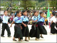 Escolta_indigena755 (-Karonte-) Tags: chiapas nikoncoolpix8700 coolpix8700 indigenaschiapas indigenouschild indigenouschildren niosindigenas josemanuelarrazate
