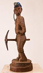 man_with_pickax (Christo Doherty) Tags: sculpture southafrica nikon menatwork figurines johannesburg cls gauteng africanart goldmining boksburg africansculpture chimane christodoherty spazagallery louischamane