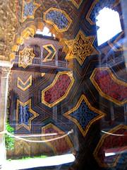 Hommage to Escher (Caneles) Tags: reflection window glass sevilla spain arch patterns palace seville arab escher mozarabe realesalczares arabarchitecture lifebeautiful islamicpatterns arabicpatterns flickrlovers fickrlovers creattivit realesalczarespalace regelmatigevlakverdeling