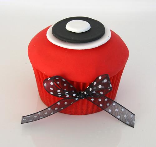 Dot Cupcake