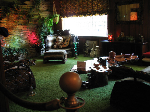 Jungle Room (2)