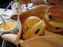 scones (akaneantares) Tags: afternoontea mandarinoriental