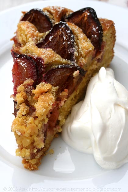 Torta di mais, prugne e rosmarino