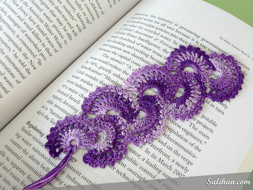 Crochetroo Fan Bookmark