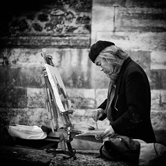 L'Artiste (NicolasGaire) Tags: bw paris france seine photoshop de noir nb adobe nicolas et blanc lightroom artiste peintre quais gaire blueribbonwinner wwwnicolasgairecom gettyimagesfranceq1