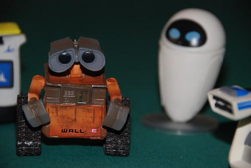 Wall.e figurine set