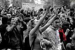 MANI NELL ARIA (VelenaRain) Tags: roma biancoenero giovani studenti manifestazione riformagelmini elenastellacervelli
