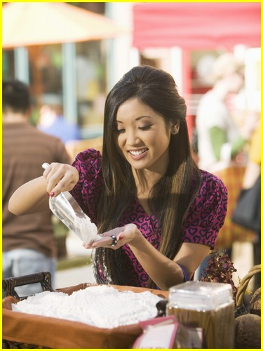 brenda-song-pass-the-plate-09
