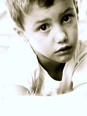 Mlancolique Paulo (philippe cochard) Tags: portrait paul noir enfant blanc philippe garon cochard