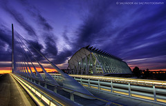 The new Calatrava's bridge and the Science Museum (Salva del Saz) Tags: city bridge santiago sunset sky espaa valencia museum clouds canon atardecer eos spain angle wide perspective arts ciudad cielo calatrava nubes gran perspectiva museo cac dor angular artes ultra 1022mm hdr highdynamicrange sciences 1022 ciencias assut efs1022 40d salvadordelsaz salvadelsaz