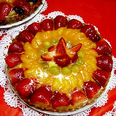 Christmas Pie, A Stawberry Delight (moonjazz) Tags: red food holiday tangerine fruit feast wow circle pie table dessert strawberry yum display sweet lace sugar special delicious eat enjoy deli bite tablecloth chirstmas doily culinary masterpiece 5photosaday mywinners abigfave apitite yellowberry
