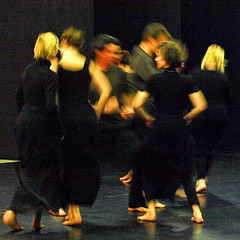 Electra  6757b (Lieven SOETE) Tags: woman art greek donna mujer theater theatre femme performance young dramatic bruxelles tragedy frau 2008 brussel electra junge joven jeune molenbeek sophocles  giovane kleineacademie  lievensoete