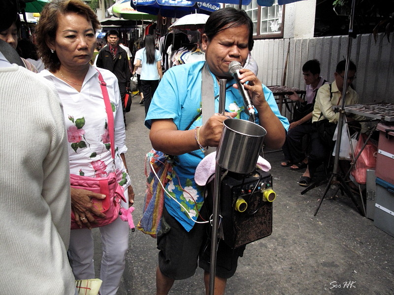 Street Performer @ Bangkok