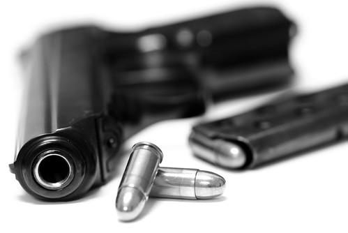Pistola y bala