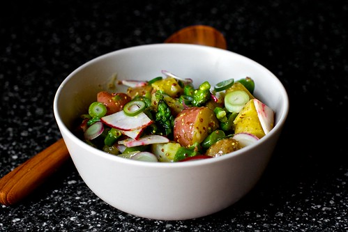 spring salad with new potatoes