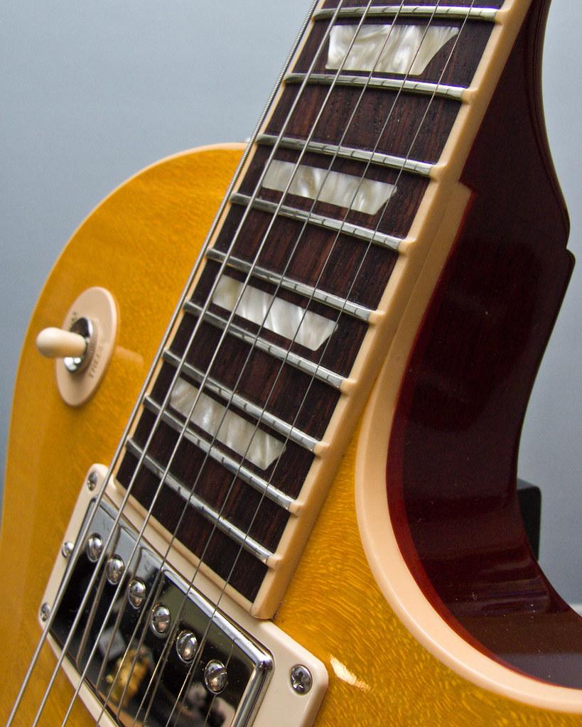 dating gibson guitars zurich jobs