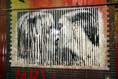 Mr Brainwash MBW Freedom Kiss