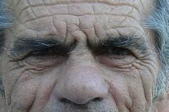 Todros (christosdevos) Tags: door de zon gezicht grieks getekend