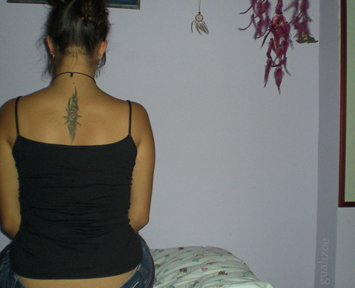 trival tatuaje mujer. tatuaje. tribal