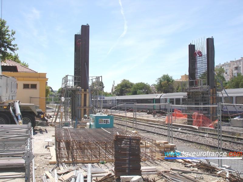 Importants travaux de construction d'une passerelle et d'un ascenseur en gare d'Aix-en-Provence
