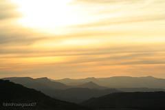 d e g r a d . . . . . . (Fbio Hasegawa) Tags: sol amarelo nuvens santacatarina inverno frio montanha entardecer gelado serracatarinense pedrafurada cindacta araquem bgtsc rastreiro degrademontanhoso