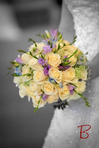 2773943223 4642bd69f4 your personal wedding flowers