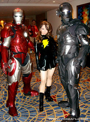 Ironman & Mary Marvel (A_Riddle) Tags: atlanta cosplay ironman superheroes marvel 2008 dragoncon shazam tonystark riddle costumers mark2 mark3 marymarvel lafiel dragoncon2008