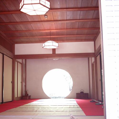 Round window [ Meigetsu-in / Kamakura ]