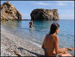 La Rijana (Rafael Montes) Tags: girls espaa costa beach de la spain mediterraneo playa olympus andalucia sp bikini granada verano sur calahonda 500 almeria cala castell alpujarra rovers ferro biquini rov cs3 motril rijana rabita 220posse