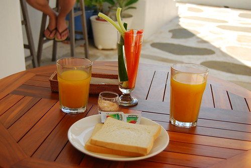 早餐-芒果汁和烤土司