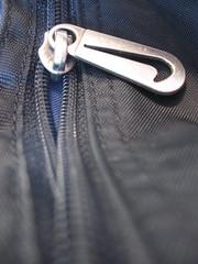 zipper (Maʝicdölphin) Tags: macro canon powershot zipper zip dufflebag a590