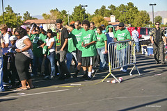 IMG_5463-Obama at Bonanza- Waiting Lines (nabila4art) Tags: people lasvegas crowd huge barackobamarally bonanzahighschool