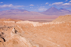 San Pedro de Atacama (Julio Ortiz Gonzlez) Tags: chile travel vacation moon nature de landscape san paisaje pedro valley atacama 28 geyser tamron 1750mm mywinner platinumphoto highqualityimage magicdonkeysbest flickrclassique julioortiz2004