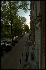 View up Prinsengracht towards Vijzelgracht (pro tempore) Tags: netherlands amsterdam apartment streetscene prinsengrachtcanal vijzelgracht canalhouse canalboats prinsenhuisapartments