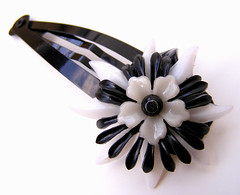 Black and White Vintage Flowers Barrette