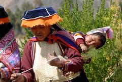 A Mum in Peru (picaddict) Tags: baby peru cuzco dill cusco explore pisaq blueribbonwinner flickrsbest mywinners abigfave anawesomeshot diamondclassphotographer flickrdiamond communidadamaru peruvianimages explorewinnersoftheworld nativewomanwithbaby celebratinghumanity