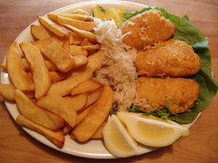 Dinner :) - Fish & Chips (Tanya & Steve) Tags: food fish home dinner fun frozen interestingness lemon oven sony may tasty frites cybershot explore delicious mai homemade fries 2008 poisson citron 22nd fishchips dscf828