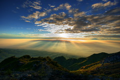 Jesus Light / Sunrise @ Mt.Merapi (beikia) Tags: light mountain sunrise indonesia volcano climb hiking sony jesus sigma mount climbing 12mm yogyakarta 1020mm sunrays 2008 1020 hdr merapi  sigma1020mm     mtmerapi a350