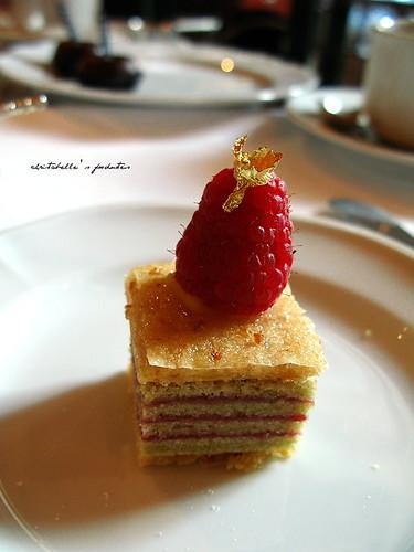 西華飯店Harrod's午茶之覆盆莓千層蛋糕
