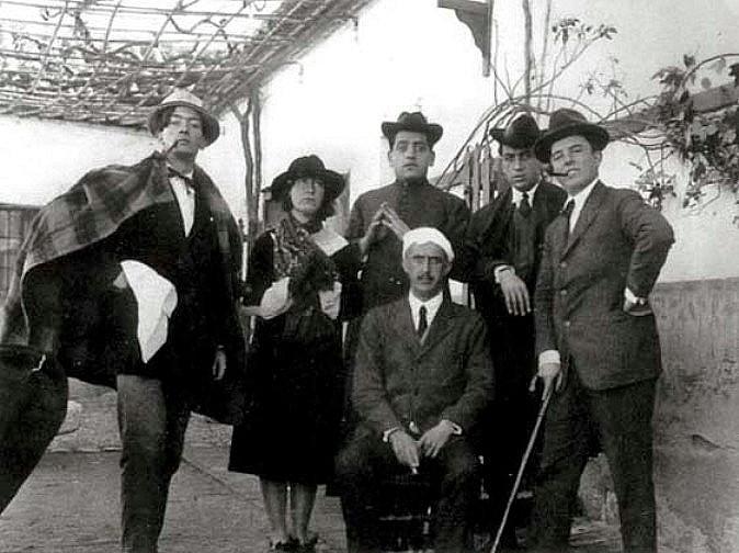 Salvador Dalí, María Luisa González, Luis Buñuel, Juan Vicens, José María Hinojosa y José Moreno Villa en Toledo (Venta de Aires) en 1924.