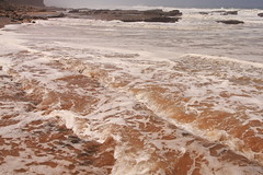 Washing (antonioVi (Antonio Vidigal)) Tags: sea seascape portugal water canon rocks waves tide sintra sigma lowtide rough 1770 magoito soe washing roca landsape 40d antoniovidigal antoniovi mag8