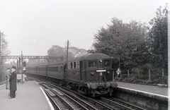 On the Metropolitan Line, Rickmansworth station, Hertfordshire, 25 October 1958 (allhails) Tags: trains railways metropolitanline hertfordshire crw herts rickmansworth metroland rodneyweaver dl14