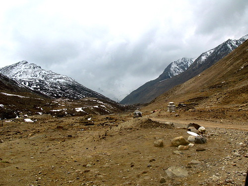 Way back from Gurudongmar Lake