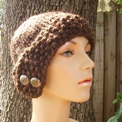 Chunky Cloche Hat in Wood Brown